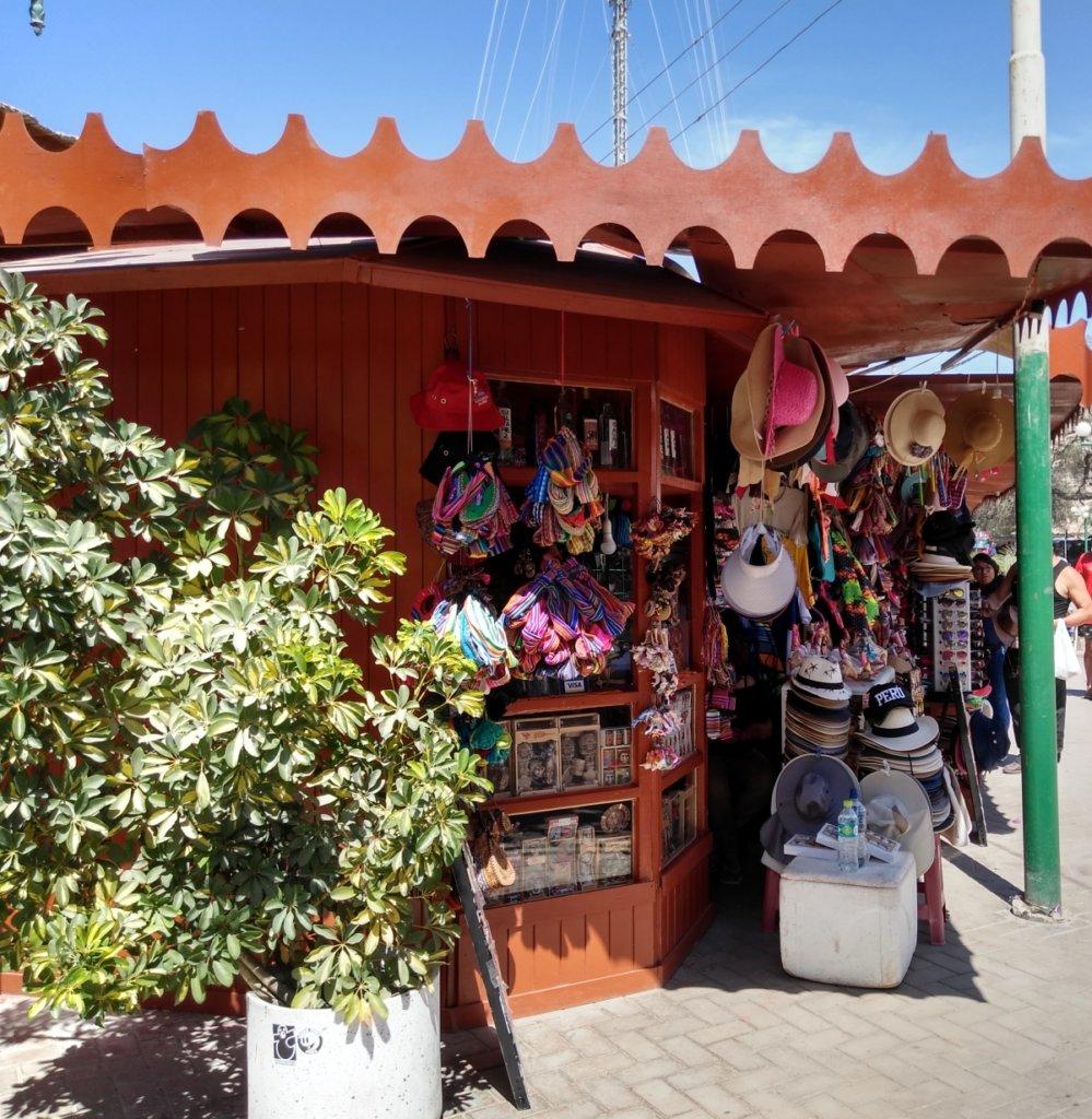 Souvenir shop Huacachina